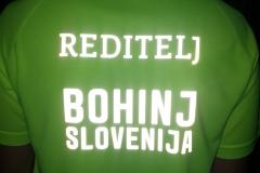 Majica z odsevnimi napisi